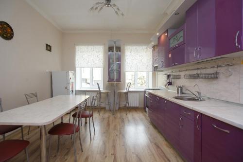 A kitchen or kitchenette at Inn Deja Vu