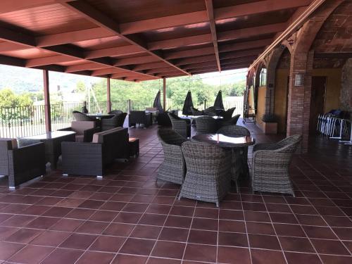 Een restaurant of ander eetgelegenheid bij Mas Ferran