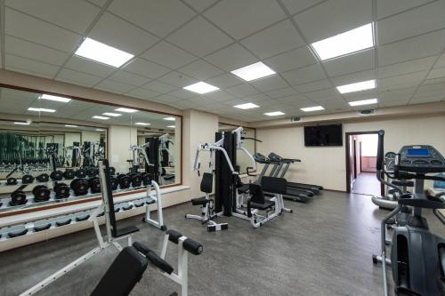 The fitness center and/or fitness facilities at Congress Hotel Forum