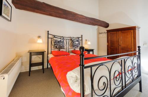 Een bed of bedden in een kamer bij Hontemerhof Holiday Home