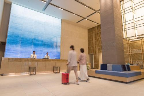 JR九州ホテル ブラッサム那覇の敷地内または近くにあるプール