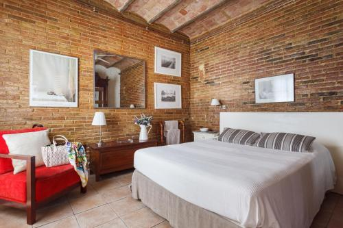 A bed or beds in a room at The Patio Barcelona