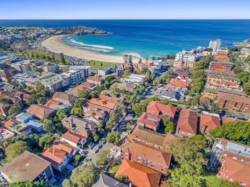 A bird's-eye view of Bondi Beach Peach
