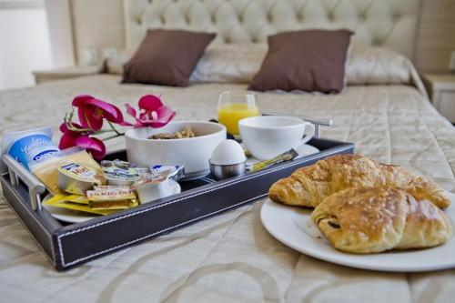 Breakfast options available to guests at Hôtel Lebron