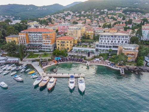 A bird's-eye view of Amadria Park Hotel Royal