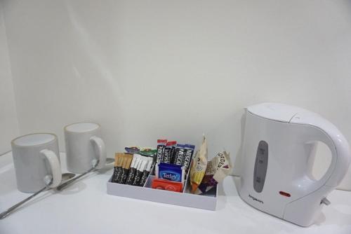 Coffee and tea making facilities at Accommodation London Bridge