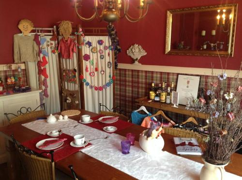Een restaurant of ander eetgelegenheid bij Welcome Inn