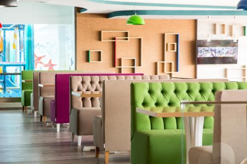 Zona de lounge sau bar la Hotel Riviera