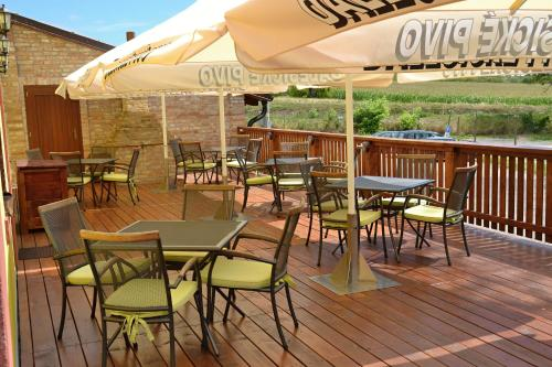 Ein Restaurant oder anderes Speiselokal in der Unterkunft Penzion Mlýn Sedlec