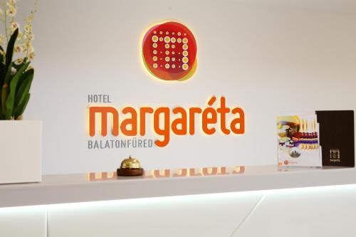 The lobby or reception area at Hotel Margareta