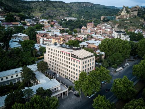 Mercure Tbilisi Old Town с высоты птичьего полета