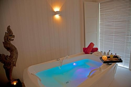 Un baño de Gran Hotel Nagari Boutique & Spa