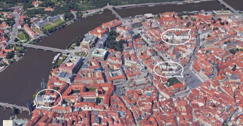 Een luchtfoto van Old Town Magical place