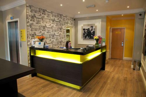 The lobby or reception area at Comfort Inn Victoria