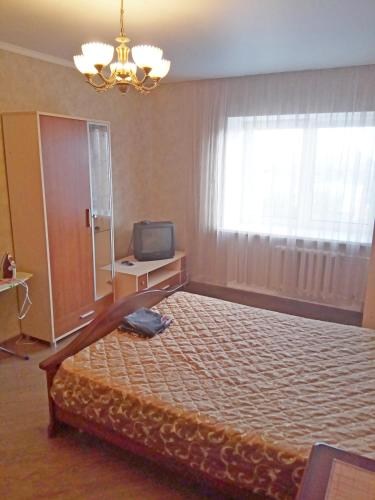 A television and/or entertainment center at 1-к на Московском
