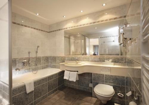 Ein Badezimmer in der Unterkunft Hotel Stadt Hannover
