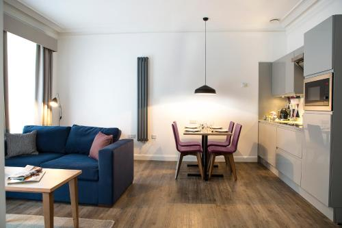 Zona de estar de Cityroomz Edinburgh