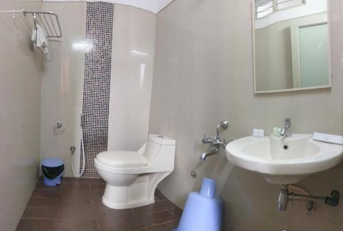 A bathroom at Banyan Tree Comforts