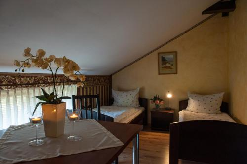 A bed or beds in a room at Villa Ambra