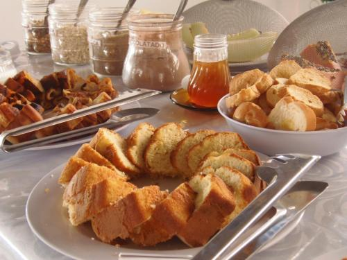 Breakfast options available to guests at Hotel Miranelli