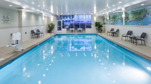 The swimming pool at or near Hilton Garden Inn Nashville Vanderbilt