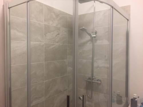 A bathroom at Townhouse @Richmond Street Stoke