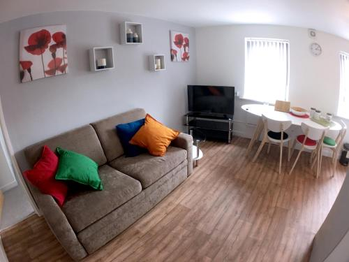 A seating area at Phoenix House Apartments