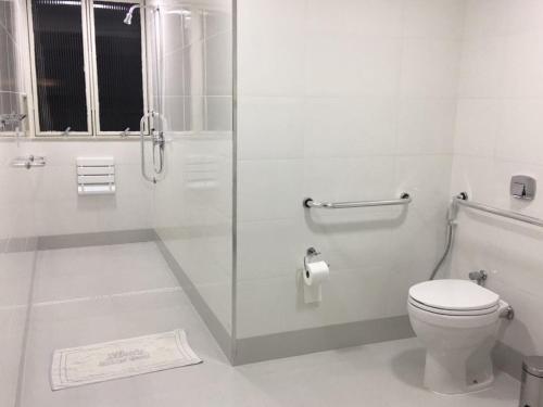 A bathroom at Xikus Palace Hotel