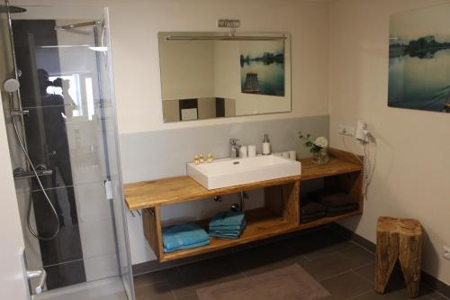 Ein Badezimmer in der Unterkunft Pension Stauber