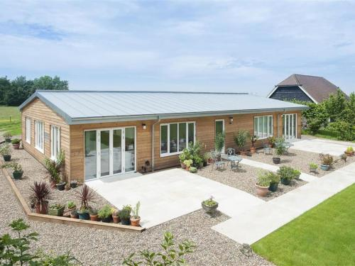 Beautiful Holiday Home in Canterbury with Outdoor Seating