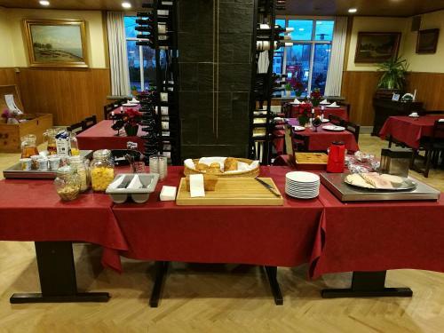 En restaurant eller et andet spisested på Hotel Viby Kro