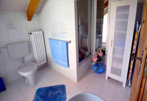 Ein Badezimmer in der Unterkunft Apartment Neuss