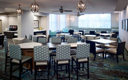 A restaurant or other place to eat at Homewood Suites By Hilton North Bay