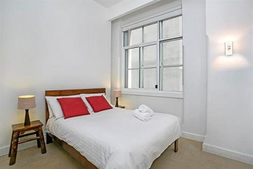 A bed or beds in a room at Apartment Bridge Street (CLIVE)