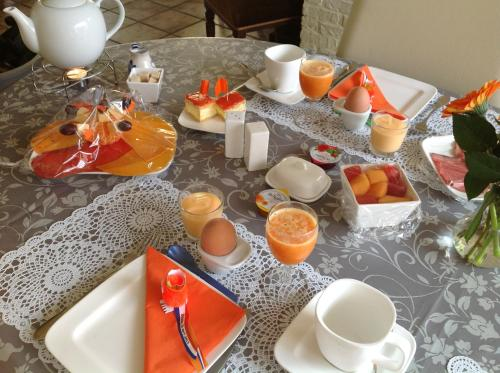 Breakfast options available to guests at Kerstins Bed and Breakfast