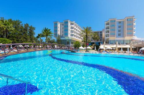 Swimmingpoolen hos eller tæt på Hotel Terrace Beach Resort All Inclusive