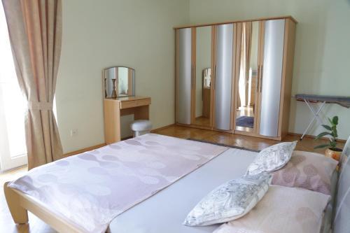 Cama ou camas em um quarto em Welcome Home