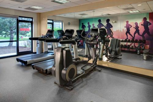 The fitness center and/or fitness facilities at Hyatt Place Sacramento Rancho Cordova