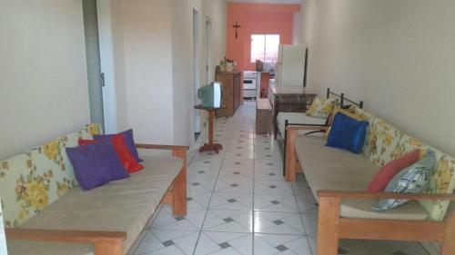 A seating area at Hostel Ilhéus