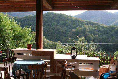 A restaurant or other place to eat at Albergue Les Xendes. Parque de Redes