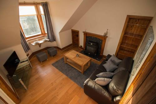 Bright & Airy Two Bed Set In Granite