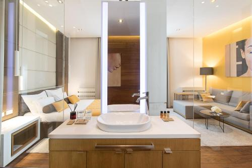 A bathroom at Dominic Smart & Luxury Suites - Terazije