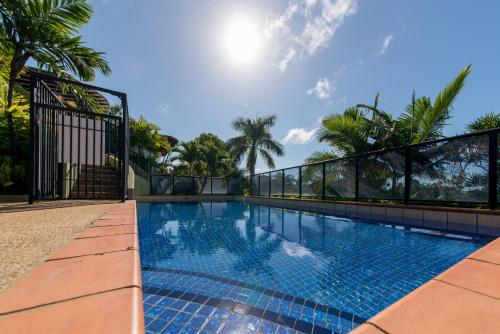 The swimming pool at or near Paradise Penthouse at Waves - Airlie Beach
