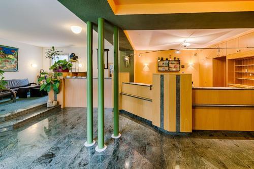 Lobby/Rezeption in der Unterkunft Hotel am Galgenberg