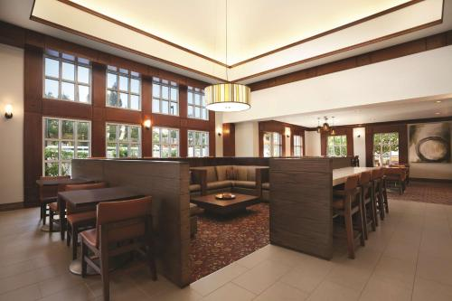 The lounge or bar area at Hyatt House Pleasant Hill