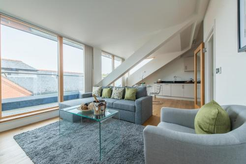 Hampden Apartments - The Elizabeth