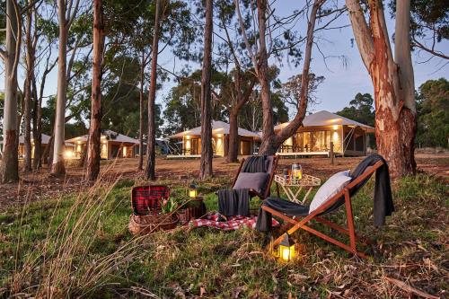 Children's play area at Olio Bello Lakeside Glamping