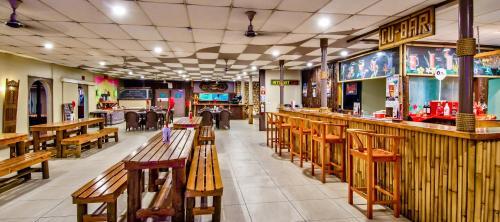 Ресторан / где поесть в Tanoa Skylodge Hotel