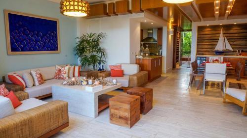The lobby or reception area at Los Altos Casa de Campo