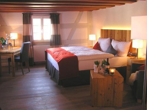 Ein Bett oder Betten in einem Zimmer der Unterkunft Landgasthof Weisses Lamm